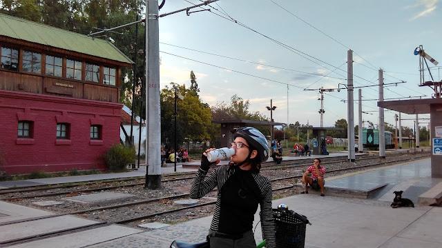 Uma linha do trem em Mendoza.