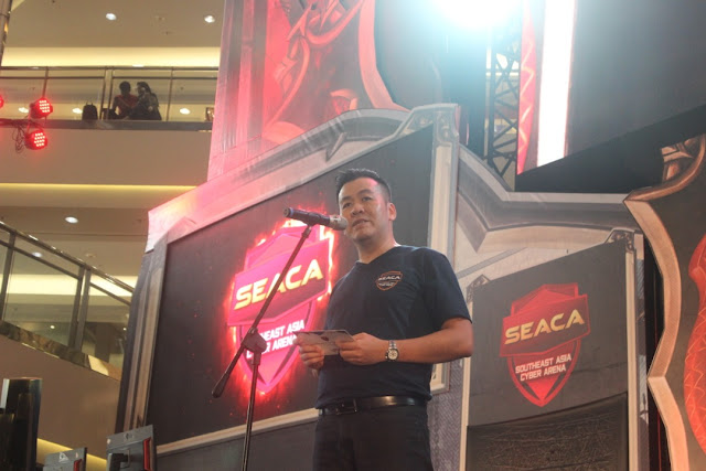 CEO UniPin, Ashadi Ang memberikan kata sambutan di opening ceremony turnamen SEACA 2018.