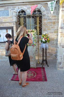 Χιλιάδες πιστοί χθες στο παρεκκλήσι του ΑΓΙΟΥ ΦΑΝΟΥΡΙΟΥ στον Ι.Ν. ΑΓΙΑΣ ΑΝΝΗΣ στην ΚΑΤΕΡΙΝΗ. (ΕΙΚΟΝΕΣ)