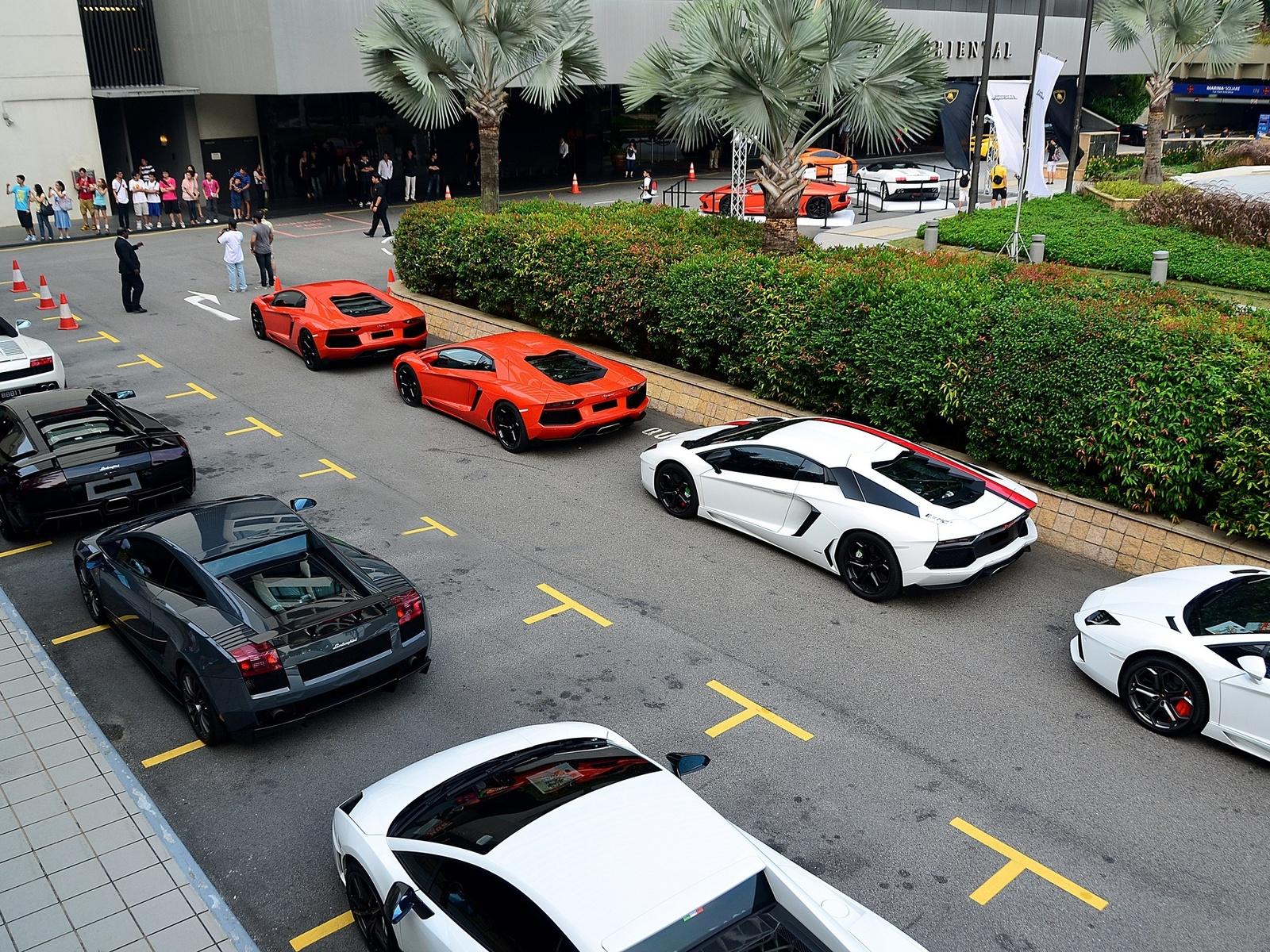 fotografias de autos lujosos