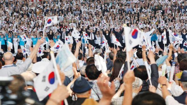 ¡Otro paso hacia la paz! Pionyang y Seúl reunirán familias separadas