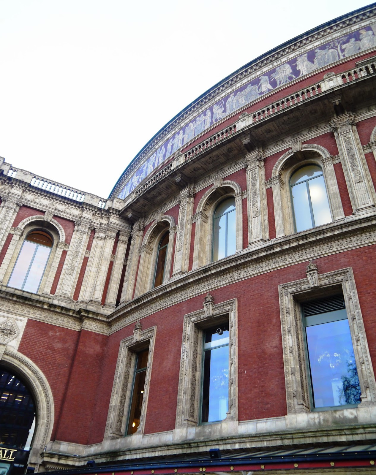 Royal Albert Hall outside