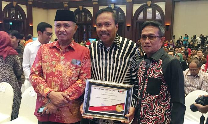 KPK Beri Penghargaan LHKPN Terbaik kepada Pemkab Bone