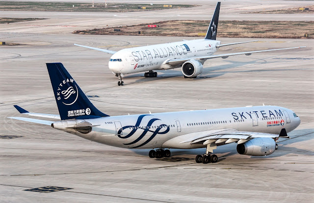 Airbus A330-200 and Boeing 777-300ER Size Comparison