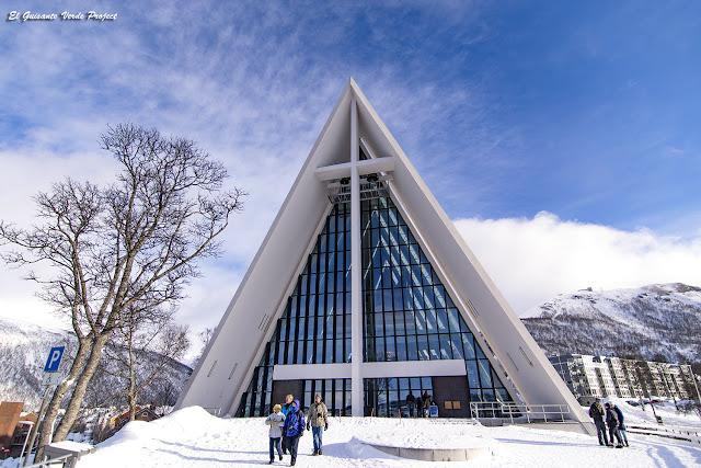 Tromsdalen Kirke, Catedral del Ártico, Tromsø - Noruega, por El Guisante Verde Project