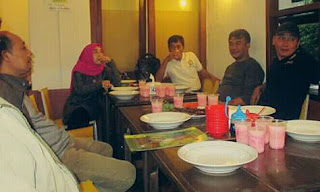 Alumni STIKI 88 DI Ayam Goreng Tenes Malang 2