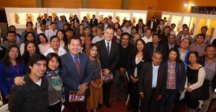 Ministro de Cultura se reunió con representantes de industrias culturales de Ayacucho - www.cultura.gob.pe