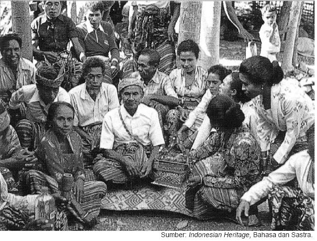 tradisi lisan suku Nabuasa, Nusa Tenggara.