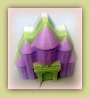 Jabón-natural-de-glicerina-con-varias-capas-de-color-Chaladura-de-jabones