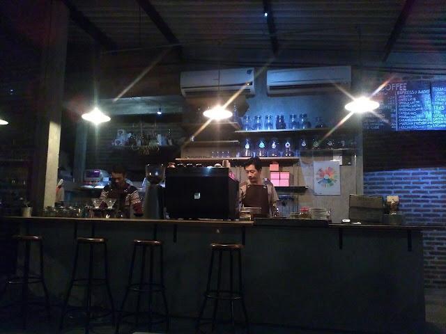 Ngopi Sambil Menikmati Pemandangan Kota Semarang di Encycoffedia