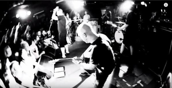 "UGLY KID JOE: Δείτε το νέο τους video για το ""Under The Bottom"" με την συμμετοχή του Phil Campbell (Motorhead)"