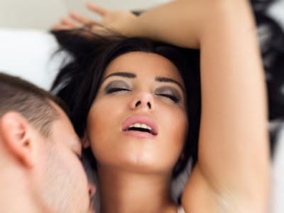 Bagaimana PMS Menyebar Saat Oral Seks?
