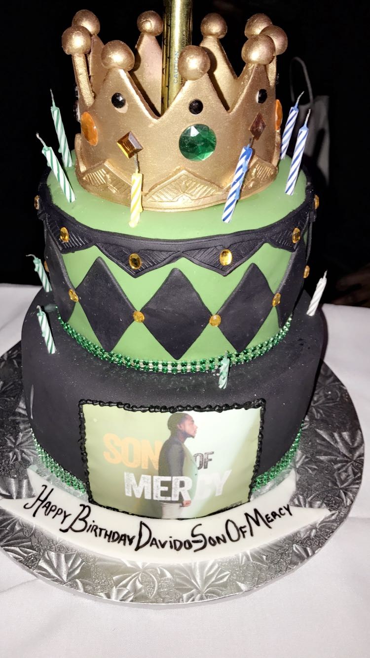 Checkout Davido's Customized 24th Birthday Cake