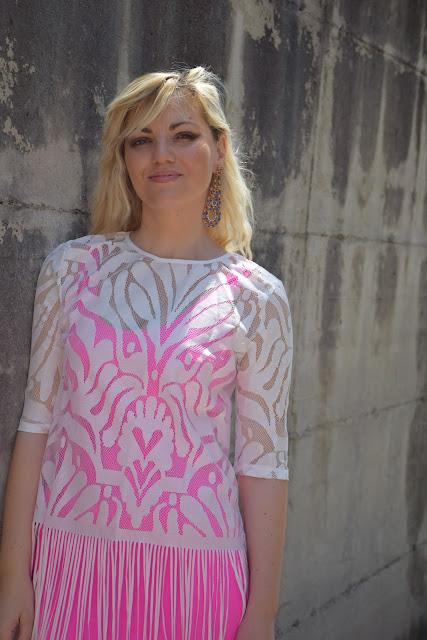 maglia bianca in pizzo come abbinare una maglia di pizzo bianca mariafelicia magno colorblock by felym fashion blogger italiane blog di moda outfit giugno outfit estivi
