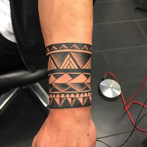 wristband tattoo bilek bandı dövmesi