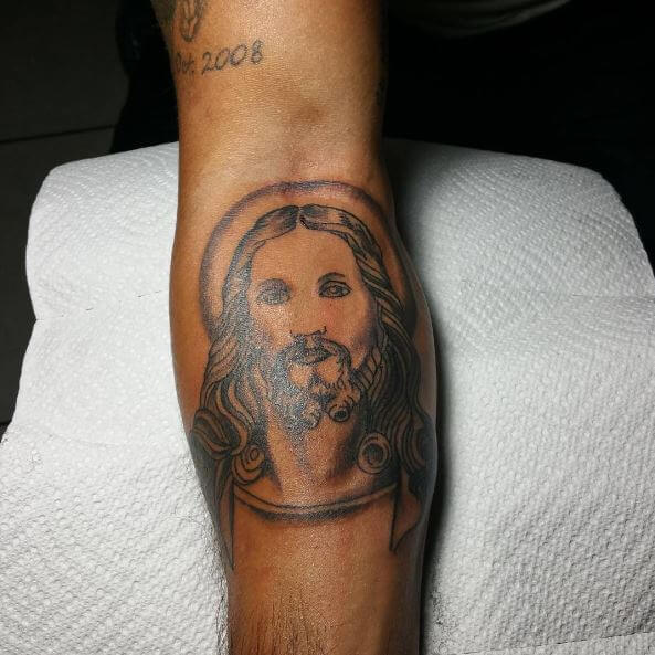 04fb6a66d This might be controversial but many people like to have a black Jesus  tattoo. I would be one who will support it. Jesus Tattoos