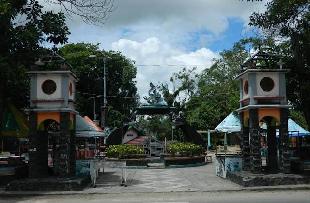 Wisata Taman Burung Singkawang Kalimantan Barat