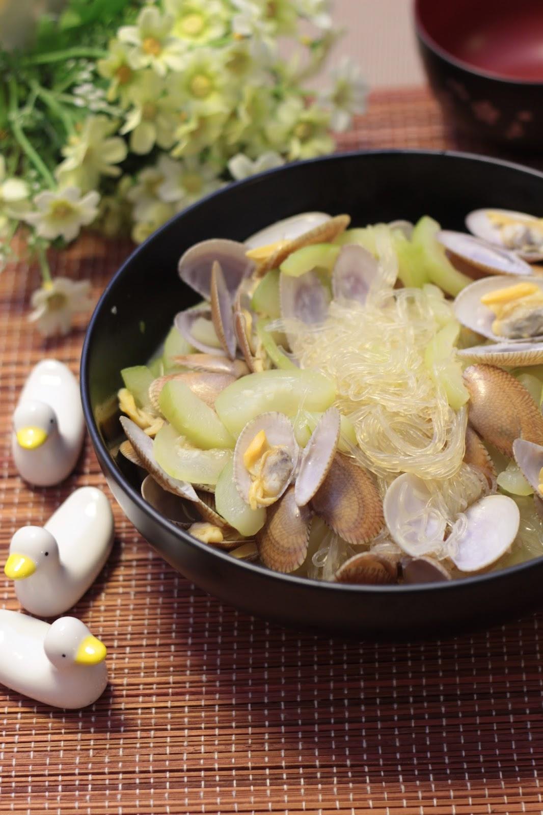 Sandy Mama @ MOONmoon's Kitchen : 食譜~【節瓜粉絲煮花甲】