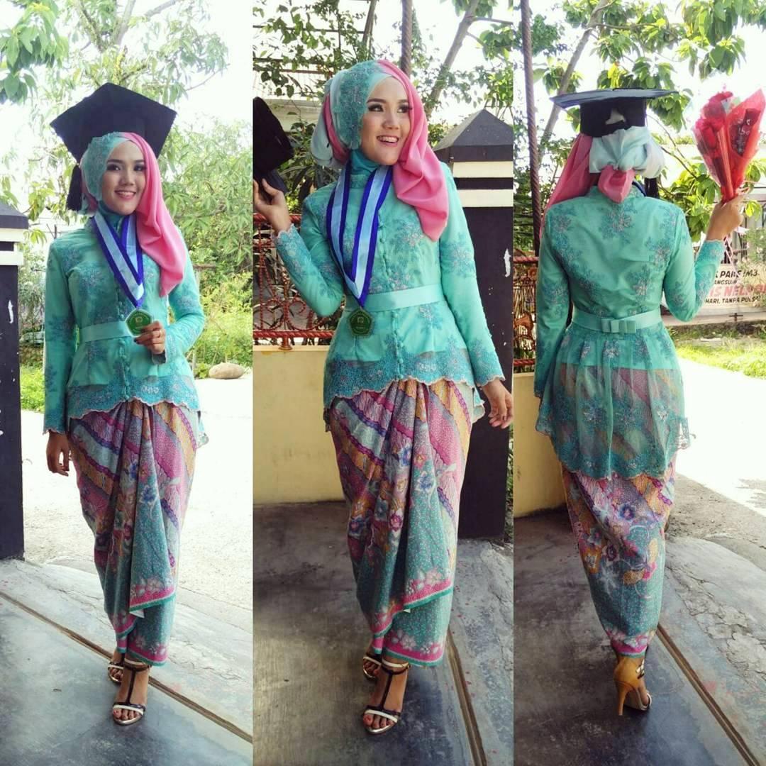 Model Baju Batik Brokat Terbaru