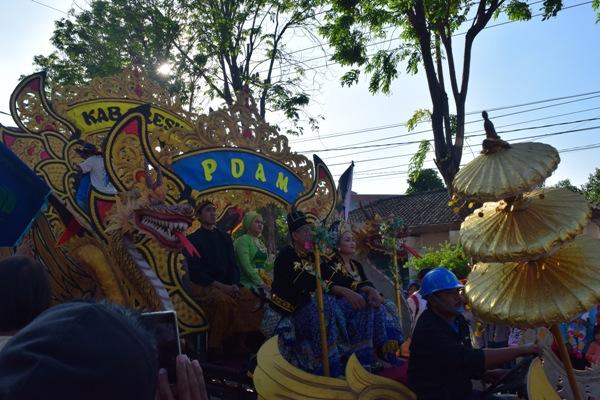 Karnaval dan pawai di kota Gresik