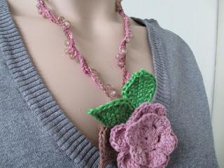 bladeren, bloem, bloemenketting, gehaakt, handgemaakt, heyleuk, katoen, ketting, lariat