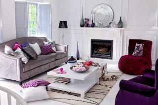 Модный ультрафиолетовый цвет мебели