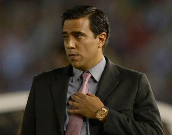 César Farías no va más como DT de The Strongest