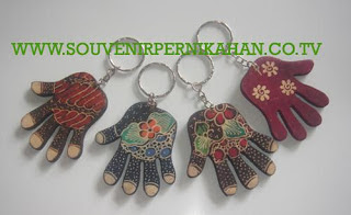 Souvenir Pernikahan Gantungan Kunci Batik Jogjakarta 7