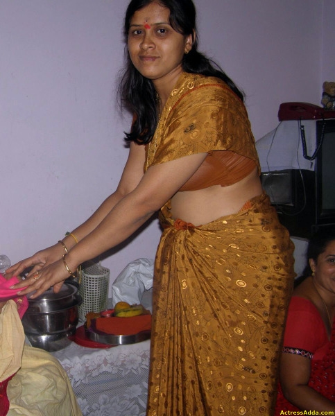 Hot Mallu Desi Indian Aunty Sms Chat Phones Number: Cute