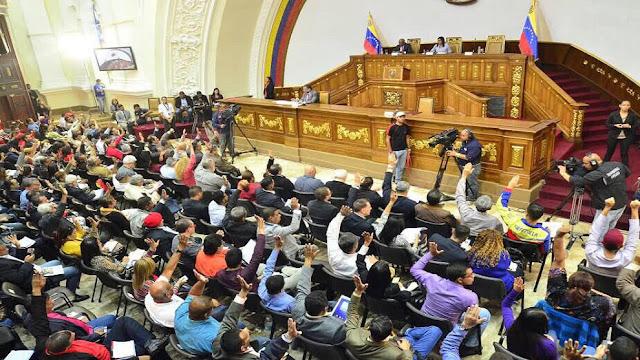 Asamblea Constituyente amenazó con disolver a la Asamblea Nacional
