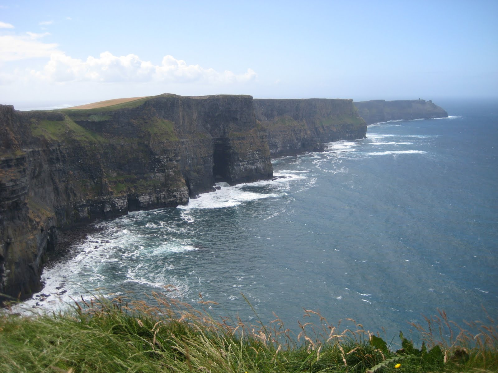 HOLIDAYS in IRELAND: KMLE Country 108 at the Cliffs of Moher