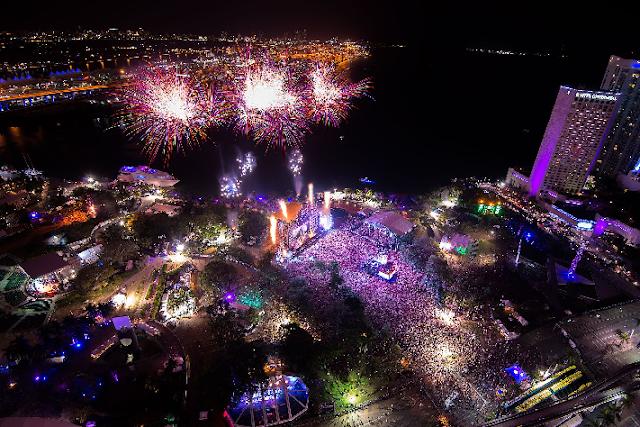 Vista aérea e noturna do Ultra Music Festival em Miami em 2016