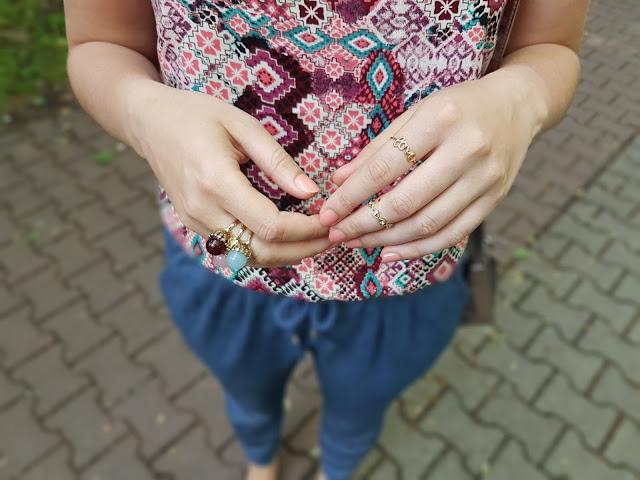 kolorowa biżuteria