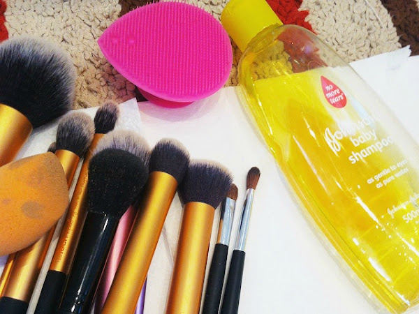 How To: Thoroughly Clean Make-Up Brushes