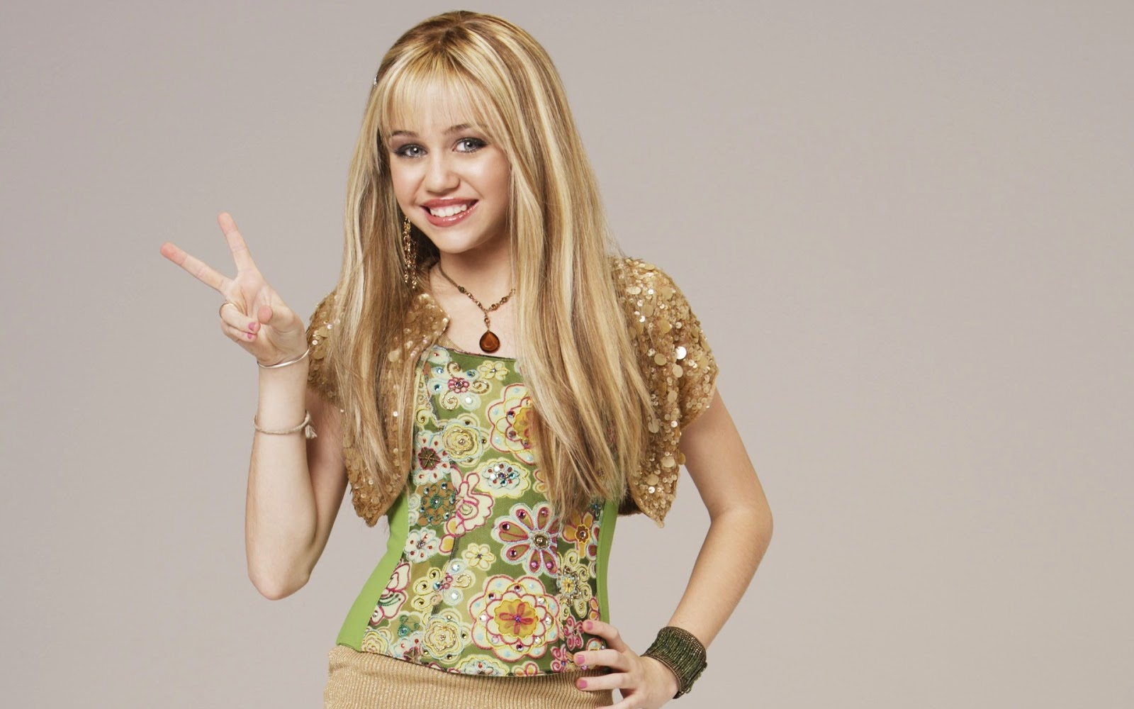 Miley Cyrus: Miley Cyrus Latest HD Wallpapers 2013