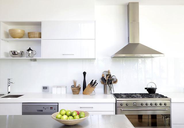 классические кухни в белом цвете