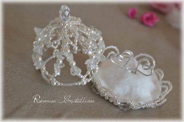 coussin d'alliance en cristal et perles