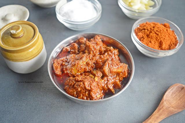 Avakaya Pickle | Andhra Raw Mango Pickle | Avakai Orugai | How to make Avakaya Pickle