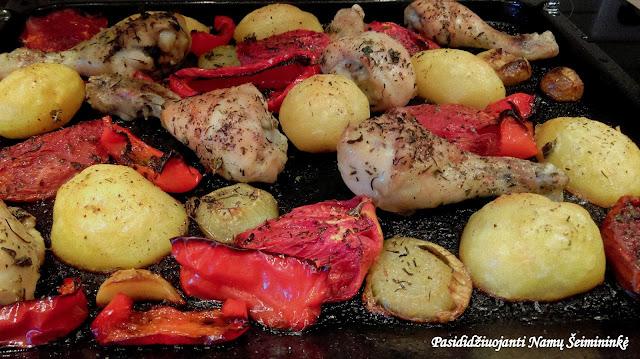 RECEPTAS: Orkaitėje kepta vištiena su daržovėmis
