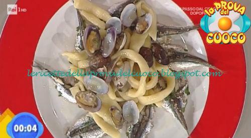 Spaghettoni acqua e farina con alici e vongole ricetta Zoppolatti da Prova del Cuoco