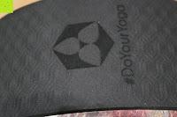 Logo: Yoga Rad »Giada« in verschiedenen Graffiti-Designs zur Verbesserung der Flexibilität bei Yogaübungen. Ideales Yogazubehör (engl. Yoga Wheel) zur Steigerung der Intensität bei komplizierten Asanas / modernes Yogahilfsmittel für Yogis die einen sportlichen Yogastil bevorzugen : Maximalgewicht ca. 120kg / Durchmesser ca. 33cm