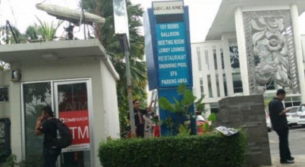 Papan Reklame Hotel di Solo Tayangkan Konten Cabul