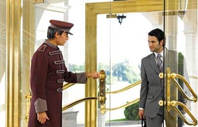 Resultado de imagem para MENSAGEIRO DE HOTEL