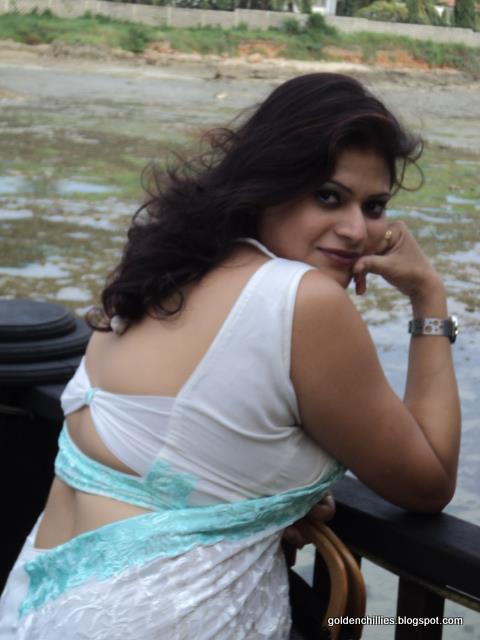 Indian Real House Wife Hot - Actress Hot Photos-4652