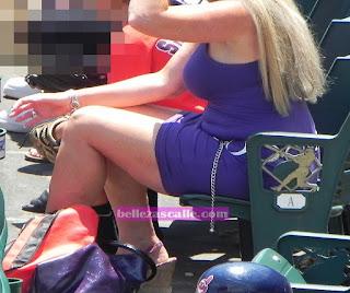 sexy rubia madura vestido ajustado