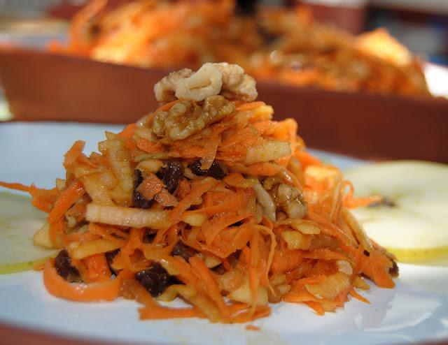 Ensalada de Zanahoria, Manzana y Nueces (Salat s morkvy s orijamy i yablokami)
