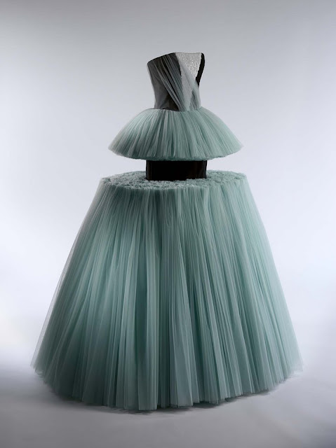 Viktor and Rolf - ball gown spring-summer 2010