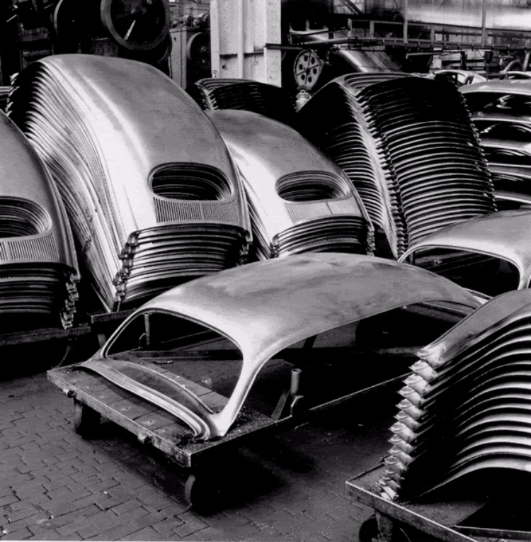 A Look Inside A Volkswagen Factory In 1953 Vintage Everyday