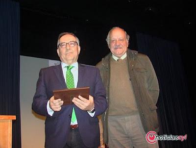"DANIEL RUIZ PREMIADO POR ""FANFARRIA"""