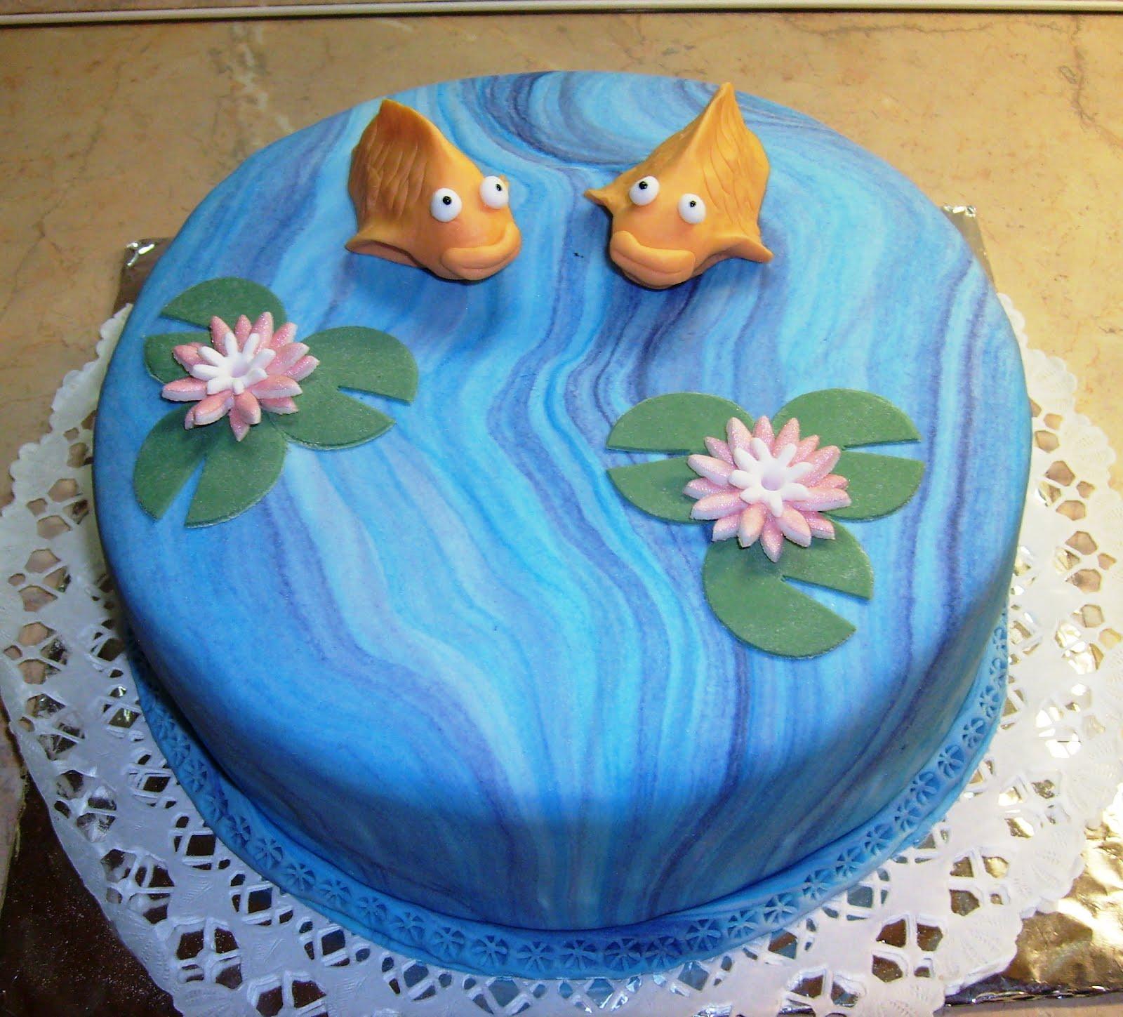 halas torták képek Botladozó lépéseim a nagy tortaországban!: Halas torta halas torták képek